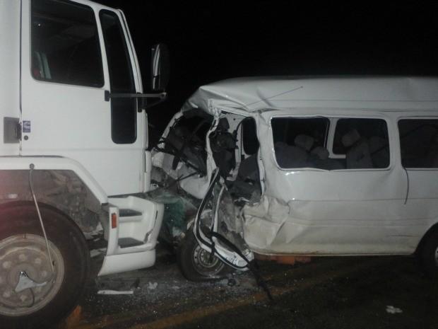 Acidente deixou quatro mortos na BA-680 (Foto: Edinamon/Potiraguá na Net)