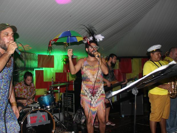 Cauxi Eletrizado teve presença de bandas conhecidas da capital, como Tucumanus, Alaídenegão e Cabocrioulo (Foto: Gabriel Machado/G1 AM)