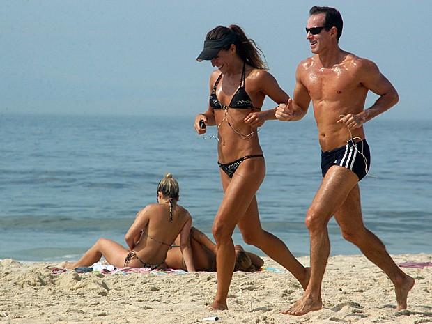 Praia exercícios físicos (Foto: Alessandro Buzas/Futura Press/Estadão Conteúdo)