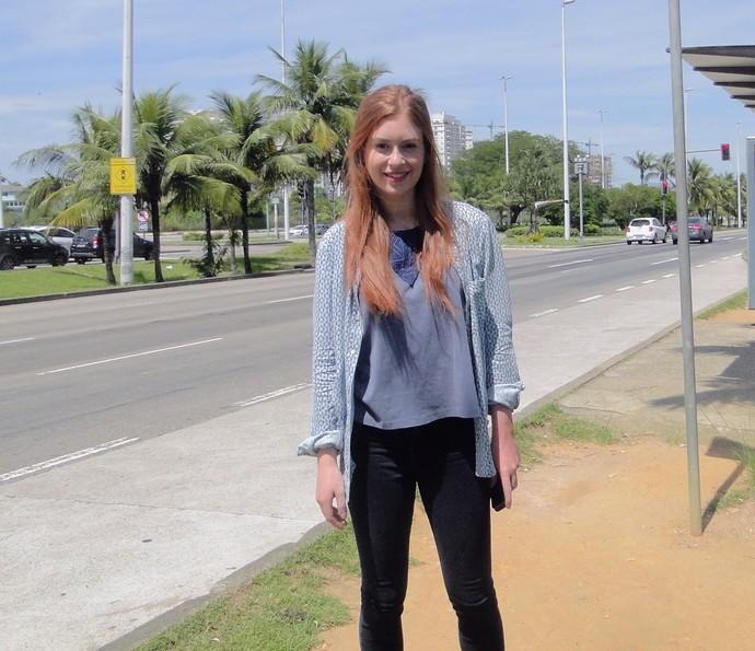 Marina Ruy Barbosa posa para foto após gravar na Barra da Tijuca, no Rio (Foto: Carolina Berger/Gshow)