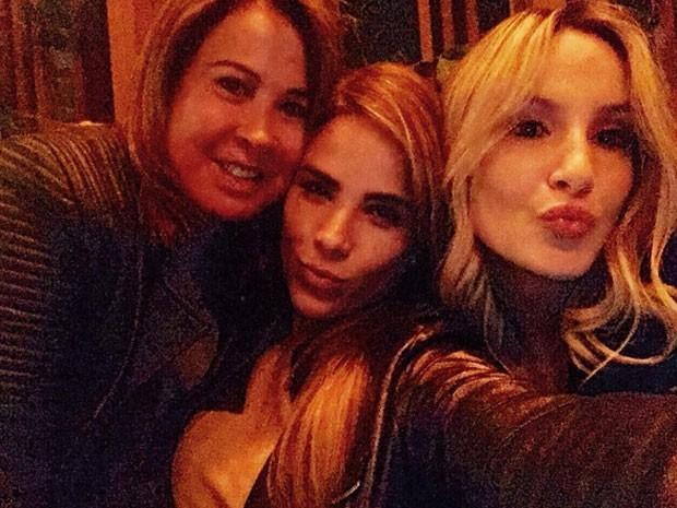 Zilu, Wanessa e Claudia Leitte em festa (Foto: Instagram/ Reprodução)