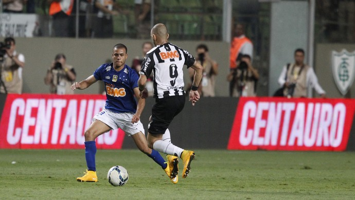 Mayke e Tardelli - Atlético-MG x Cruzeiro (Foto: Gualter Naves/VIPCOMM)