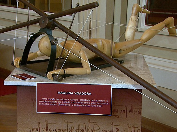 Um dos primeiros estudos que desenvolveria a asa delta, a máquina voadora foi projetada por Da Vinci (Foto: Maurício Glauco/EPTV)