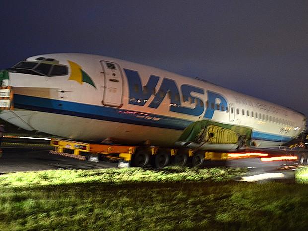 O Boeing 737 da Vasp será transformado agora em um espaço de festas (Foto: Thaisa Figueiredo/G1)