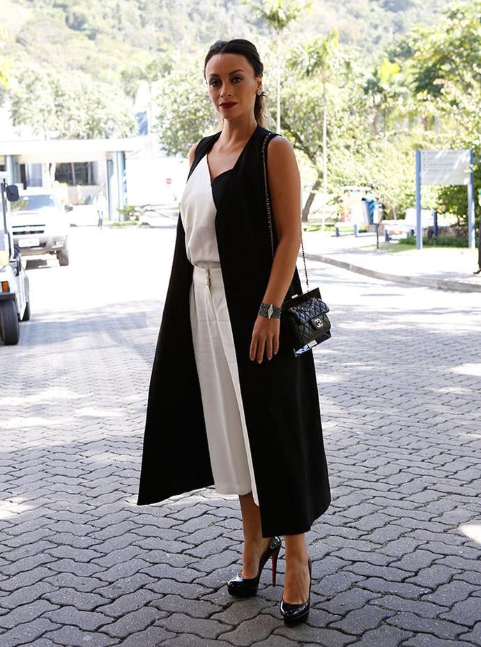 Suzana Pires aparece elegante em coletiva de imprensa (Foto: Ellen Soares/Gshow)