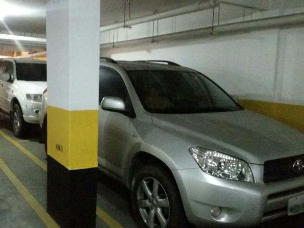 Carros de luxo encontrados pela polícia na garagem do casal, em Vila Velha, Espírito Santo (Foto: Divulgação/Polícia Civil)