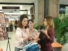 Ao lado de maquiadora, Thaila Ayala ensina a maquiagem de Camilinha