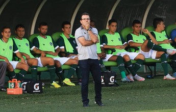 Enderson aprova atuações da zaga  do Goiás, que ainda não sofreu gols