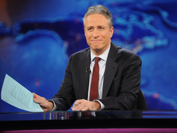 Foto de 30 de novembro de 2011 mostra Jon Stewart durante gravação do Daily Show (Foto: Brad Barket/AP)