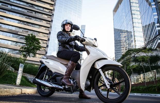 Salão Duas Rodas Nova Honda Biz Parte De R 7590 Auto Esporte