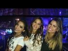 Bruna Marquezine e Anitta assistem a show de One Direction do palco