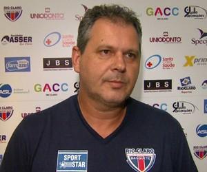Marcelo Tamião, técnico do time de basquete do Rio Claro (Foto: Rodrigo Sargaço/EPTV)