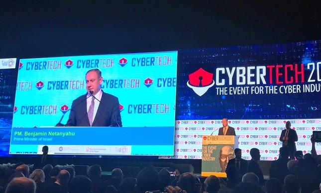 O primeiro-ministro de Israel, Benjamin Netanyahu, na abertura do evento Cybertech 2017