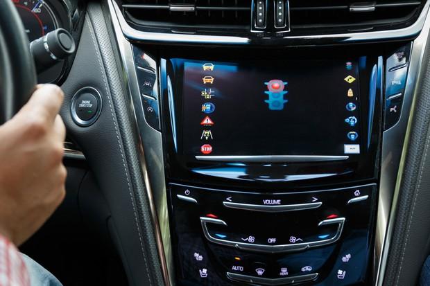 Sistema V2I do Cadillac CTS (Foto: Divulgação)