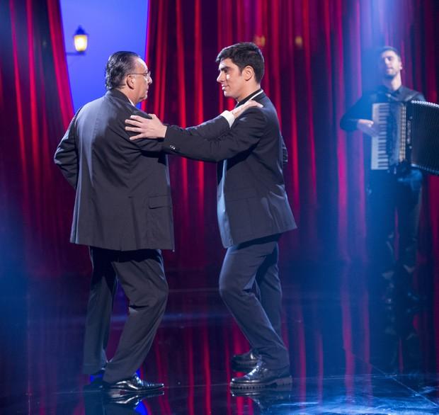 Galvão Bueno e Marcelo Adnet dançando tango no Adnight (Foto: Globo/Estevam Avellar)