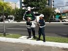 Blitz educativa com crianças conscientiza motoristas em Aracaju