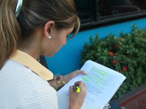 Estudante de Direito, de 18 anos, disse que não havia se preparado para um tema específico da redação (Foto: Tiago Melo/G1 AM)