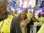 Desfile das Campeãs tem protesto, 'fair play' e muita festa em verde e rosa