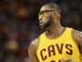LeBron joga óculos longe, perde para os Wizards, e vê ameaça ao seu trono