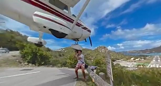 O turista se arriscou durante a aterrissagem de pequeno avião