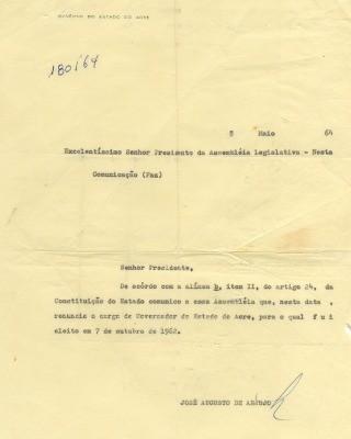 Carta de renúncia de José Augusto assinada apenas com as iniciais do governante (Foto: Acervo histórico do Museu Universitário da Ufac)