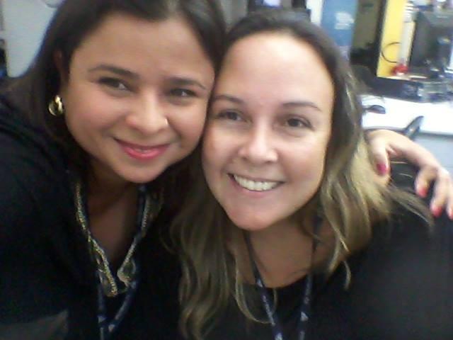 Dione Aguiar e a produtora de reportagem Gisele de Oliveira (Foto: Arquivo Pessoal)