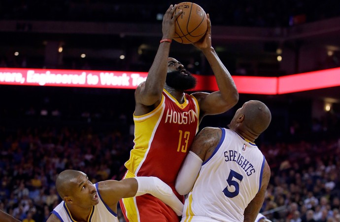 Leandrinho e James Harden Warriors x Rockets NBA (Foto: Getty)