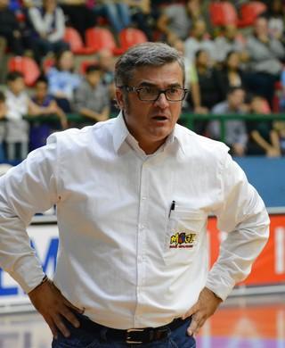 Paco García Mogi X São José Paulista de basquete (Foto: Bruno Rocha)
