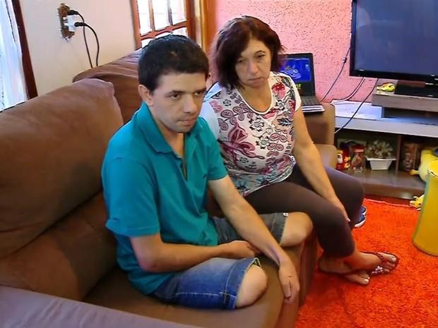 Nilandres está morando com a mãe em Passo Fundo após o acidente (Foto: Reprodução/RBS TV)