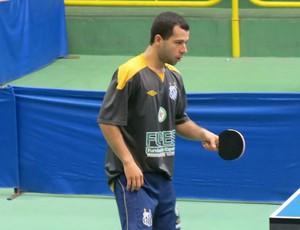 Humberto Manhani abriu a disputa para Santos (Foto: Bruno Gutierrez)