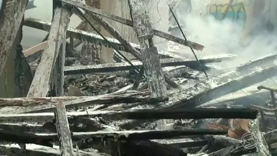 Incêndio atinge casarão histórico de Vassouras, no Sul do RJ