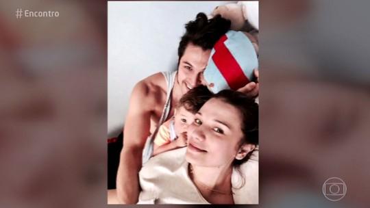 Romulo Estrela conta que é pai participativo: 'Quando ela engravidou, engravidei também'