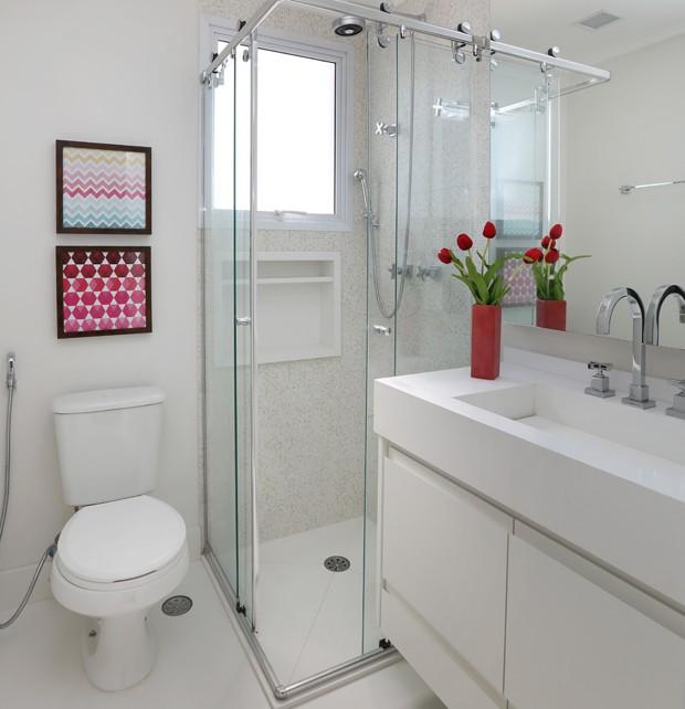 Apartamento pequeno ganha mais espa o com sala e cozinha for Fotos de banos modernos en cuba