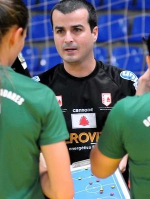 Técnico Munir Saygli está satisfeito com a temporada do Futsal Valadarense (Foto: Poliana Rodrigues/Divulgação)