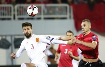 Jornal: federação tentará fazer Piqué repensar saída da seleção espanhola