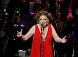 Bibi Ferreira canta repertório de Frank Sinatra em Aracaju
