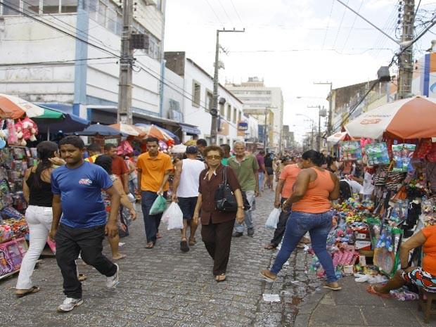 Comércio informal será disciplinado na Rua Grande (Foto: Flora Dolores / O Estado)