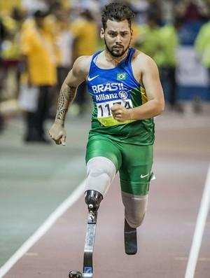 Prata nos 200m T44, Alan Fonteles conquistou o bronze nos 200m, prova vencida pelo americano Richard Browne (Foto: Daniel Zappe/MPIX/CPB)