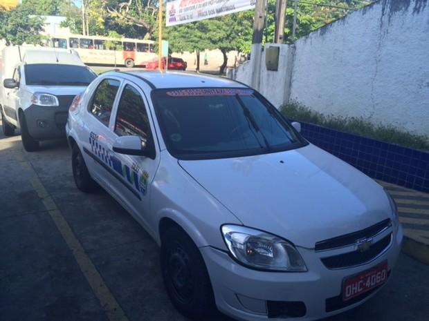 Também foram apreendidos um Taxi e uma Fiorino (Foto: Carolina Sanches/G1)