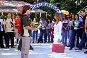 Júlia e Pedro propõem um duelo (Foto: reprodução/TV Globo)