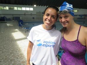 Atleta e a técnica de natação Milena de Morais (Foto: Mariane Rossi/G1)