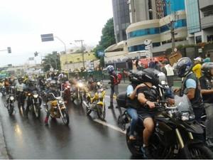 Moto Uberaba manifestação (Foto: Alex Rocha/G1)