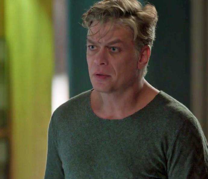 Arthur vai ficar mal com cena que viu no hospital (Foto: TV Globo)