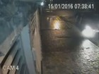 Homem sobrevive após ser atingido por carro e vídeo viraliza na web; veja