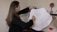 Aprenda a desamassar roupa