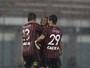 Dupla vive jejum de gols, e Atlético-PR conta com artilharia solidária em 2016