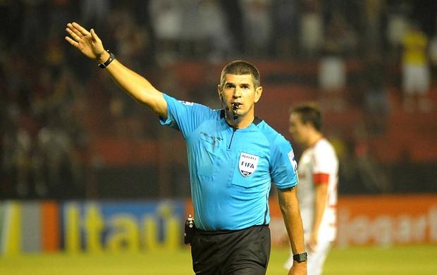árbitro marcelo de lima henrique (Foto: Antônio Carneiro / Pernambuco Press)