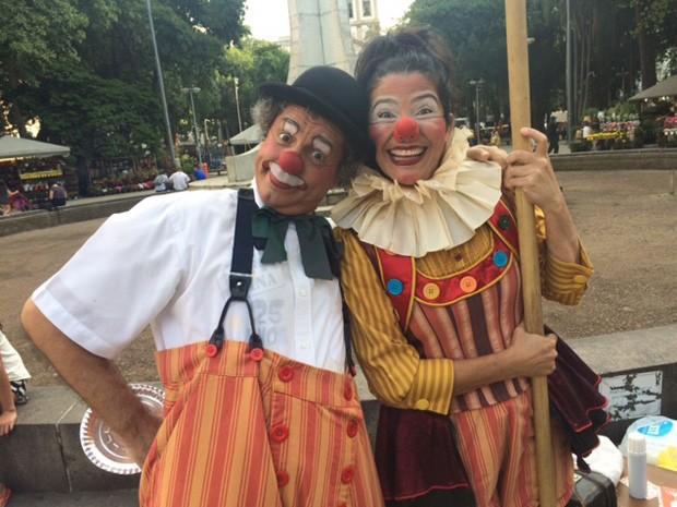 Richard Riguetti e Lilian Moraes são os palhaços Café Pequeno e Currupita. (Foto: Cristina Boeckel/ G1)