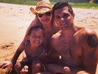 Monique Evans curte praia com filho e neta: 'Voltando a ter minha vida'