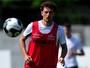 Elano sente incômodo, e Serginho treina como titular do Santos